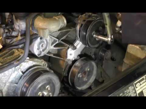 Replacing the water pump on a Land Rover Discovery 300TDI.