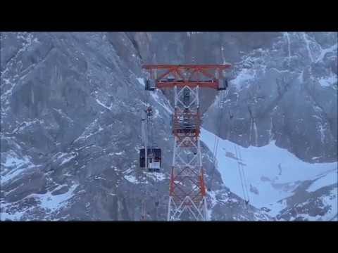 Transport der Bergungskabine zur Bergstation Zugspitze