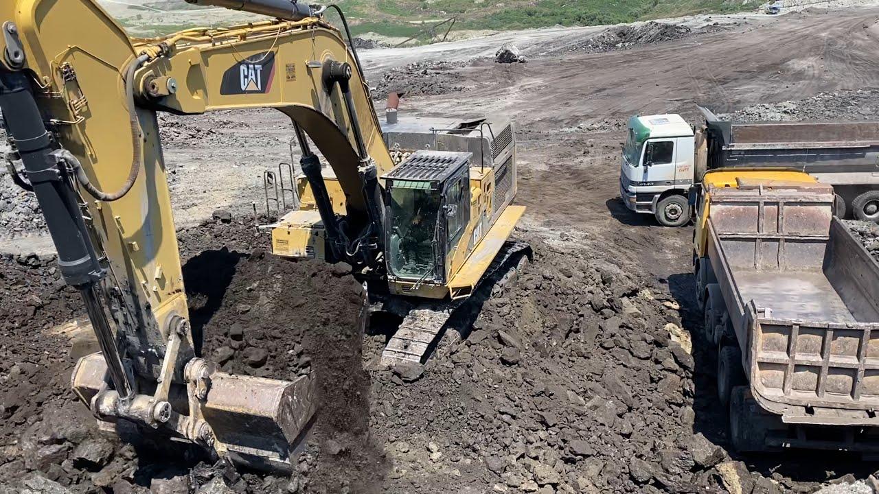 Caterpillar 365C Excavator Loading Trucks - Operator Petros Kyrkos