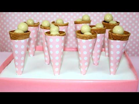 Cucuruchos de chuches ideas mesa dulce - Ideas para decorar mesas de chuches ...