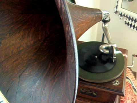 Emile Berliner Record 1896 - On the Gramophone - by David C. Bangs - Victor II Gramophone