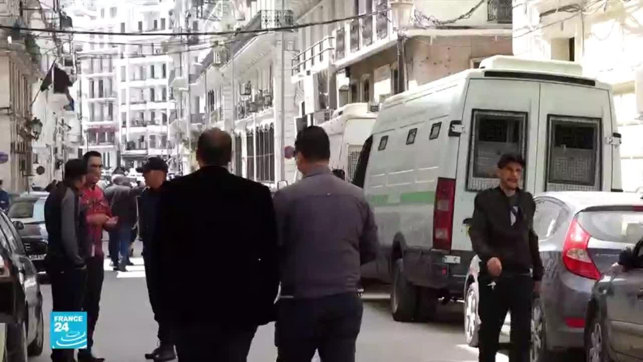 الجزائر: اتهامات جديدة بتعرض ناشطين في الحراك الشعبي للتعذيب في السجن  - 11:59-2021 / 3 / 5