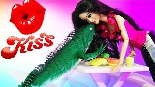 Мультик Барби Ящерица Хочет Поцелуй Видео для девочек Куклы Барби на русском
