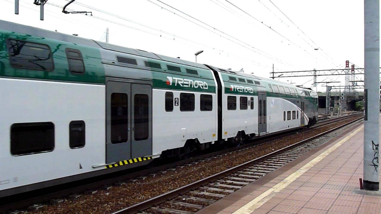 Ale 526 010 Livrea Trenord In Transito A Milano Certosa