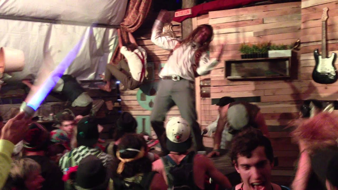 Harlem Shake in The Sollun @ Electric Forest 2013 [1080p]