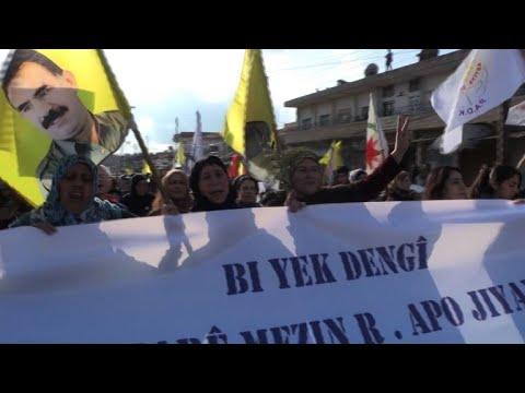الأكراد السوريون يتظاهرون ضد العمليات التركية في عفرين