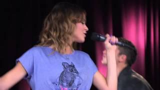 Los Rock Bones y Vilu tocan ¨A los 4 Vientos¨ | Momento Musical | Violetta
