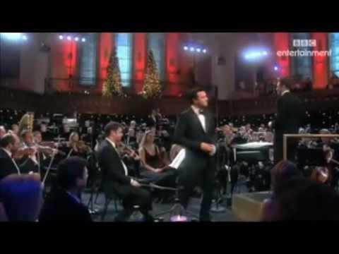 Seth Macfarlane - Ain't That a Kick in the Head