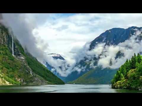 Nærøyfjord's breathing. Morning timelapse from Gudvangen [4K]