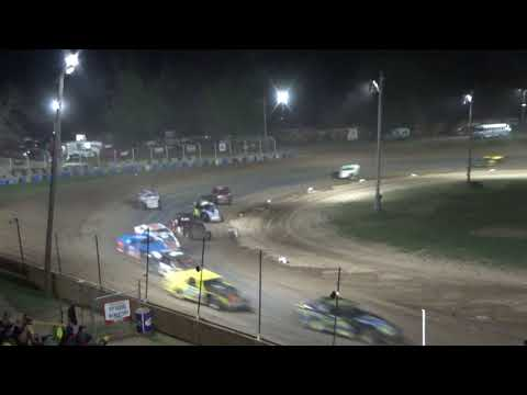I.M.C.A. Feature Race at Crystal Motor Speedway, Michigan on 08-19-2017.