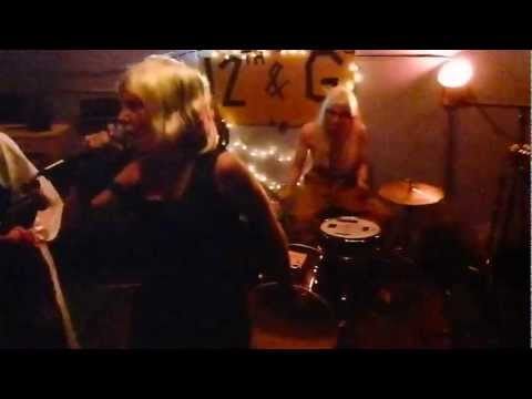 "Cheeto Champ- ""One Way Or Another"" Blondie Cover- Halloween Cover Show 2011"