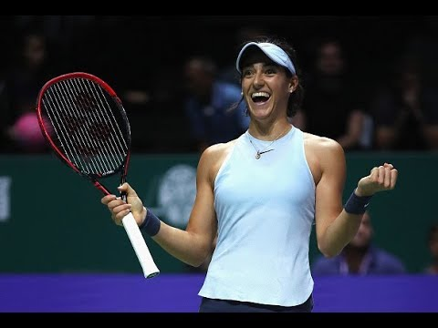 2017 WTA Finals Round Robin | Caroline Wozniacki vs. Caroline Garcia | WTA Highlights