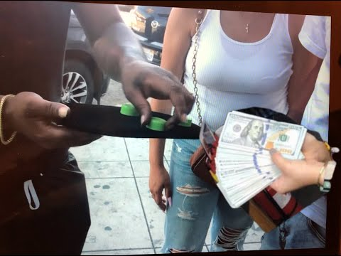 Guy losing $10,000 CASH street gambling (cups and balls)