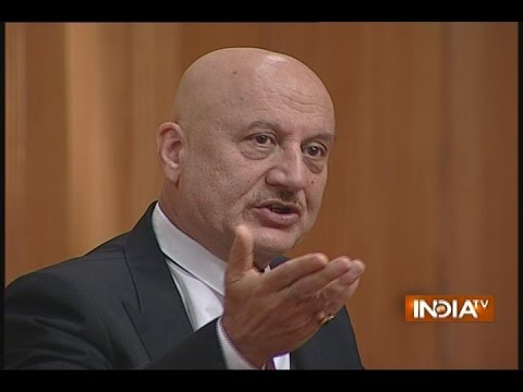 Anupam kher Praised Hollywood Actor Robert De Niro in Aap ki Adalat