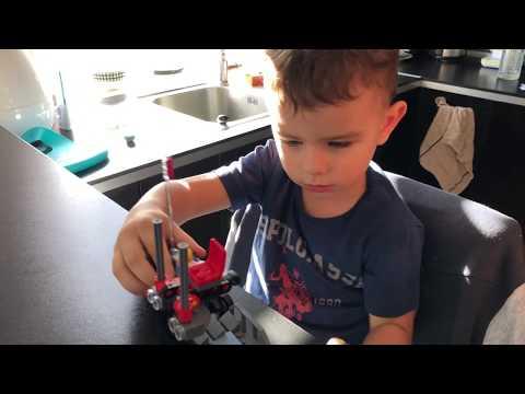 видео: Распаковка набора LEGO Movie Maker (Набор кинорежиссёра 70820). Распаковка игрушек и обзоры :)