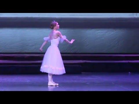 Балет-феерия Бал Сказок. Солистка - Олеся Гапиенко. Сцена - Ученица и Фея балета