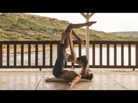 Acro Yoga - A Romantic and Amazing Flow for Beginners