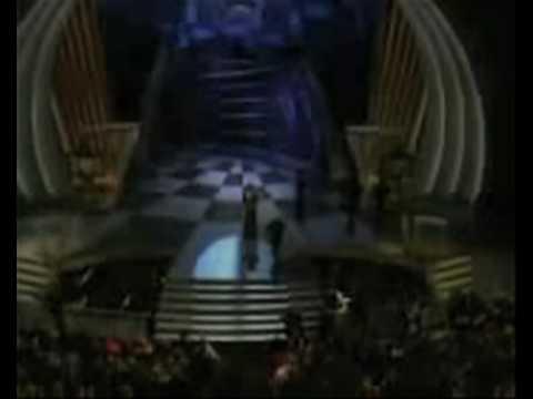 'And the Oscar goes to..... Robertoooo!'