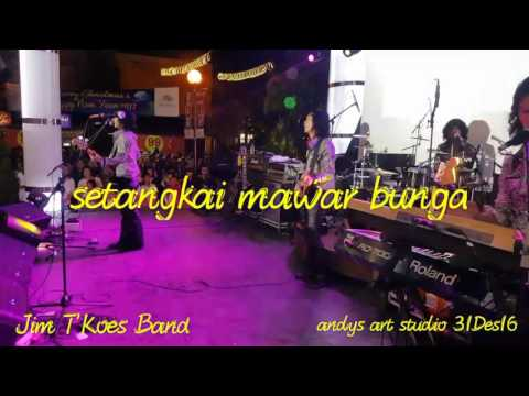 Setangkai mawar bunga by Jim T'Koes Band