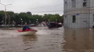 На улицах Уссурийска гоняют на аквабайках