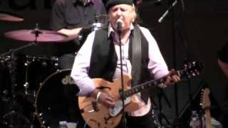 Kicks- Keith Allison once Paul Revere & Raiders & Monkees player w/ Mickey Dolenz (12/15)