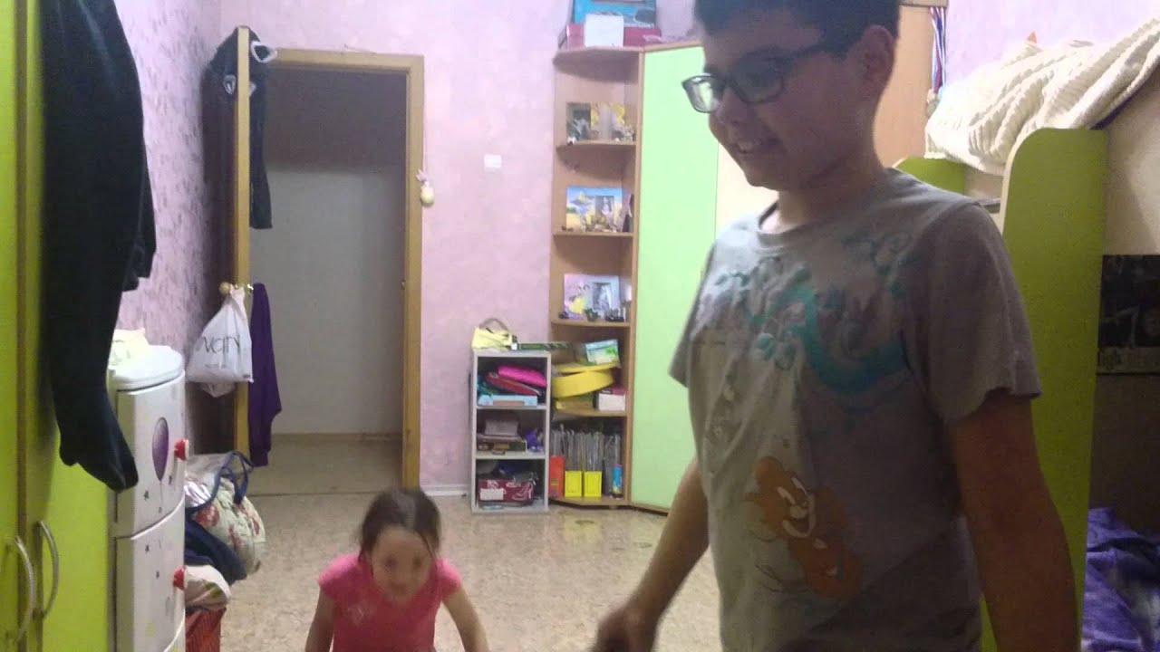 Что делают маленькие девочки в свободное время