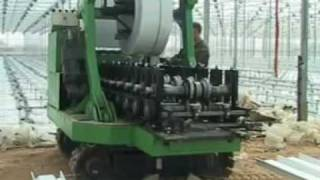 Прокат технологических лотков в теплице Агрисовгаз(Прокат технологических лотков для выращивания в промышленных теплицах Агрисовгаз. Подробнее об этом на..., 2011-10-04T21:37:26.000Z)