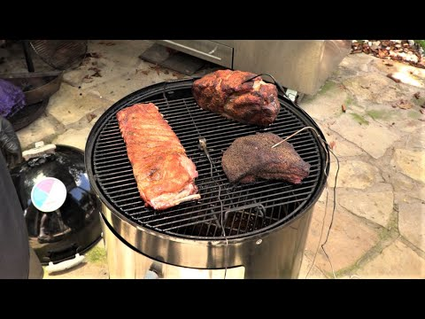 cooking-on-both-levels-of-weber-smokey-mountain-(wsm)