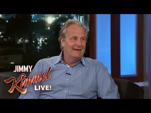 Jeff Daniels on Emmy Nominations & Hatred of Red Carpets