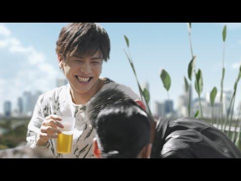 HIRO、岩田剛典らEXILE TRIBEメンバーがビール片手に大宴会 『サントリー ザ・モルツ』新TV-CM「ルーフトップ」篇&メイキング映像