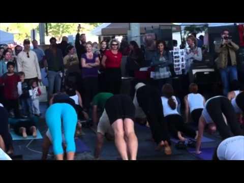 Yoga Flash Mob @ The Chattanooga Market