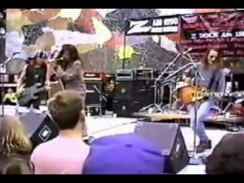 Pearl Jam - State of Love and Trust (Mural Amphitheatre, Seattle, WA, August 23, 1991)