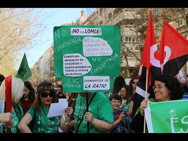 Miles de personas se manifiestan por la enseñanza pública de calidad y contra la LOMCE