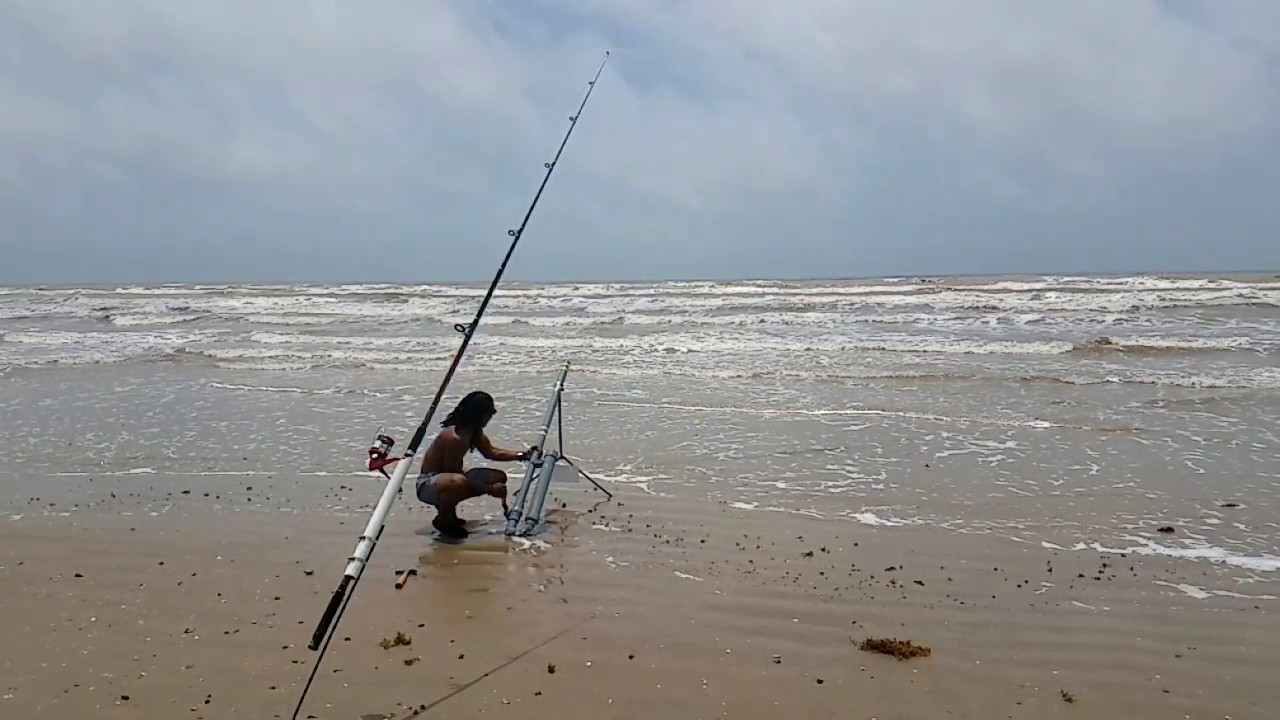 Surf fishing in freeport tx with my bait launcher aka the for Fishing bait launcher