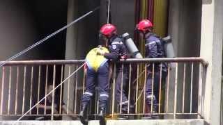 Démonstration d'une manœuvre des jeunes sapeurs-pompiers de Montigny le Bretonneux