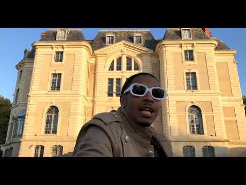 Yun A - Chateau In Paris