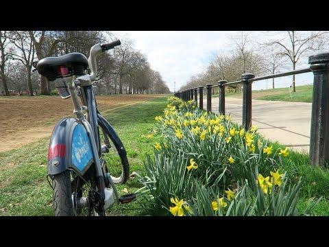Spring Time Hyde Park London + Prestat Chocolate Easter Eggs