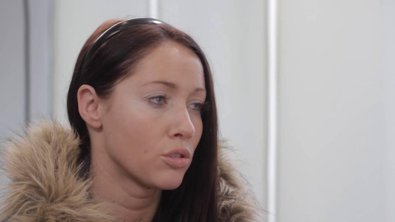 Jessica und Vanessa - Der erste Besuch beim Frauenarzt - YouTube