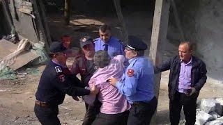 Krujë, prishja e furrave të gëlqeres përplasen pronarët me policinë