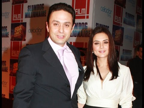 Preity Zinta and her ex-beau Ness Wadia all smiles during IPL 2017 match!