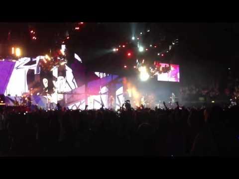 One Direction - Teenage Dirtbag O2 arena take me home tour
