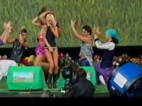 ETIENNE con Geri Halliwell live at 2001 s Party In The Park part 2 Mi Chico Latino