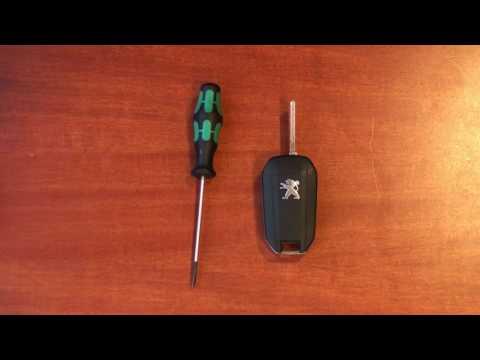 Peugeot 208 - Udskiftning af batteri i fjernbetjening