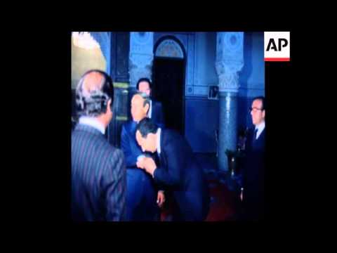SYND 28 6 78 SPAIN'S PRIME MINISTER ADOLFO SUAREZ MEETS KING HASSAN
