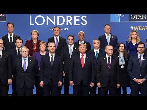 Nato leaders pose