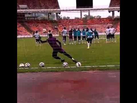 Penalty Shoot-out : Onazi Vs Enyeama - Video