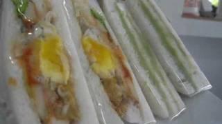 Repeat youtube video วิธีห่อแซนวิช  : นายเหลือง.com