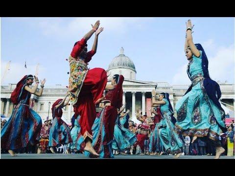 Garbo Raas | At Diwali on Trafalgar square 2017!