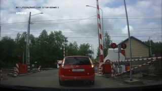 Шлагбаум. 43 км Горьковки. Бамс(О вреде езды на красный свет светофора через переезд., 2015-06-01T10:55:37.000Z)
