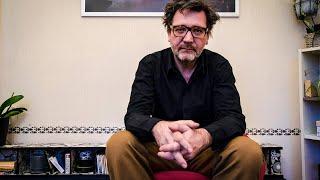 """Auf dem Roten Stuhl Corona Spezial – David Schalko: """"Sind wir froh, dass Kickl nicht Innenminister ist"""""""